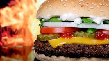 Így készíts házi grillezett hamburgert!